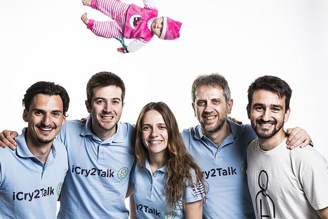 iCry2Talk 隊的團體照